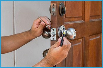 Manchester Locksmith Store Manchester, CT 860-744-3011